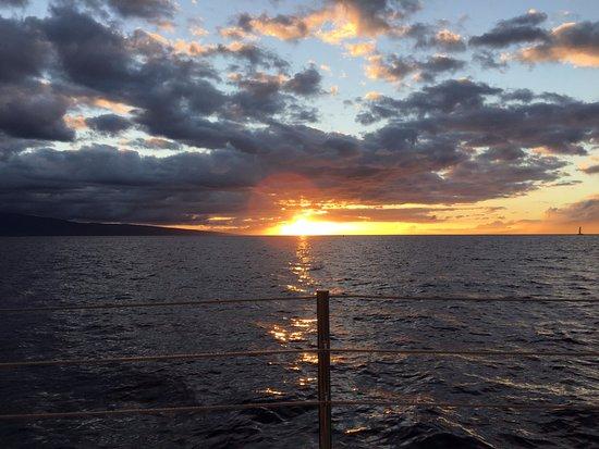 Scotch Mist Sailing Charters: Sunset near Lahina