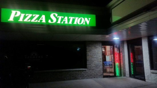 Jackson, WI: Pizza Station Entrance