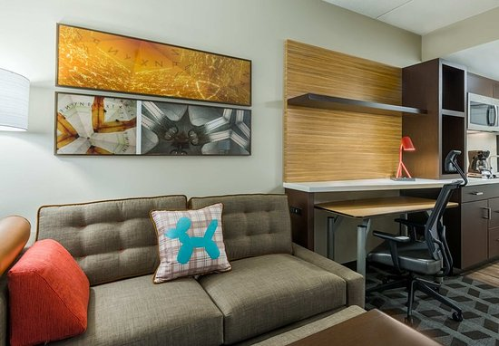 Latham, NY: King Studio Suite - Seating Area