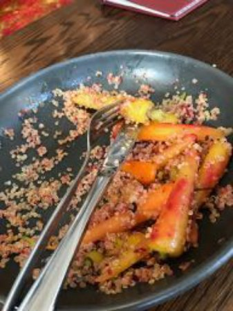 Onehunga, Nieuw-Zeeland: Very many carrots in the Quinoa salad