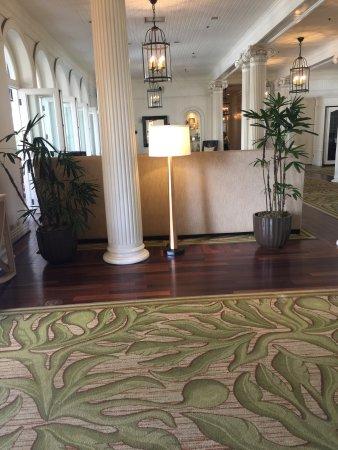 Moana Surfrider, A Westin Resort & Spa: photo1.jpg