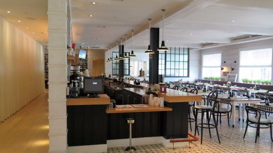 The Kimpton Brice Hotel: Un comedor descomplicado para comidas rápidas y bebidas. Hay restaurante también