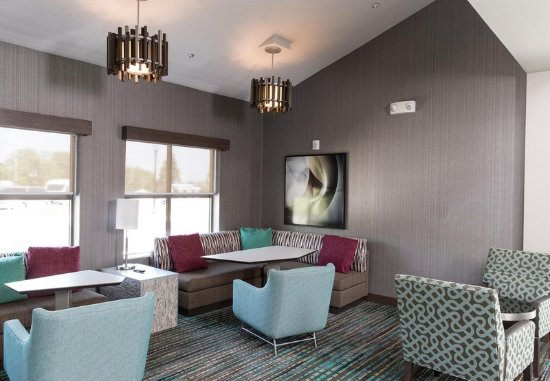 Malvern, Pensilvanya: Lobby Sitting Area