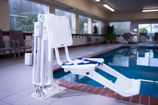 Burlington, WA: Guest Pool Lift ADA/ Handicapped Accessible