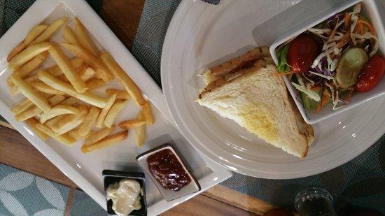 Le Banneton Cafe: 20170809_154616_large.jpg