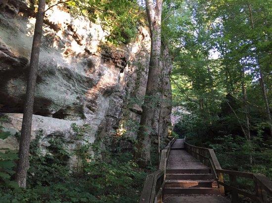 Makanda, IL: Giant City Trail