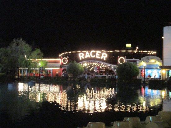 West Mifflin, Pensilvanya: beautiful lights along the lagoon