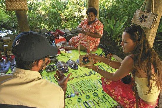 Sheraton Denarau Villas: Handicraft Market