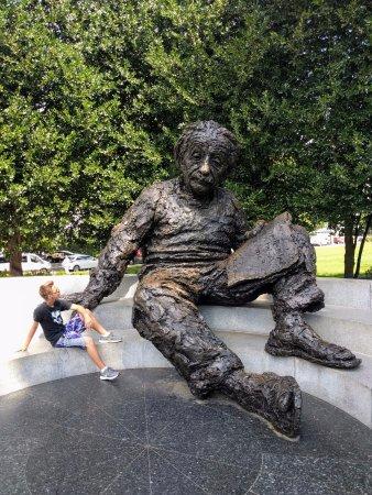 Albert Einstein Memorial: Wonder what he is thinking....