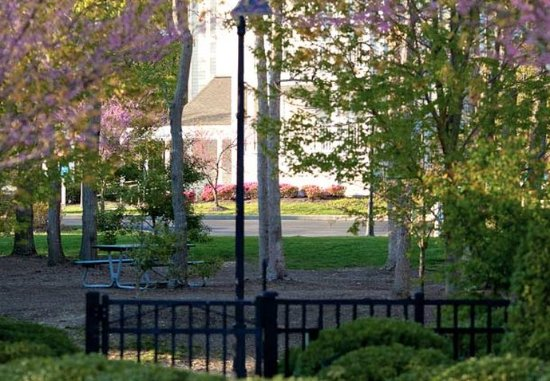 Absecon, NJ: Resort Grounds