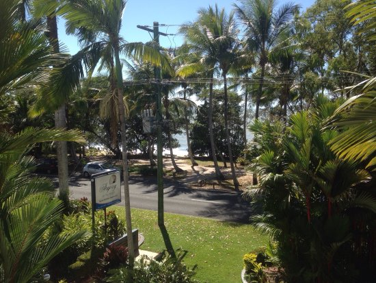 Clifton Beach, Australia: Absolutely perfect piece of paradise! Unit 9 was stunning! Large wrap around balcony, beach fron
