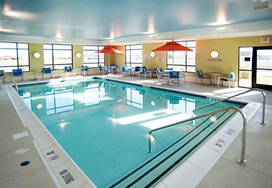 TownePlace Suites Fort Wayne North: Indoor Pool