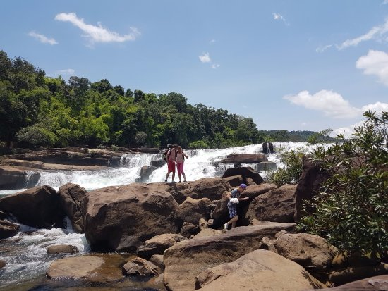 Koh Kong Province, กัมพูชา: Tatai Waterfall in Koh Kong