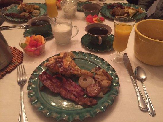 Inn Upon Moon River Plantation: Breakfast!