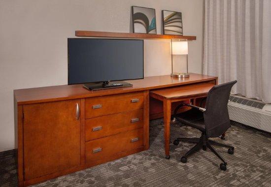 Dulles, VA: Suite Workstation