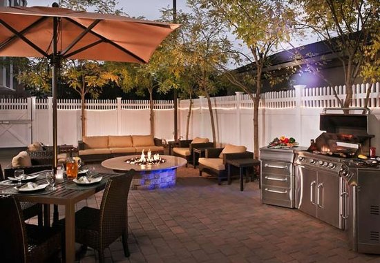Ronkonkoma, NY: Outdoor Patio
