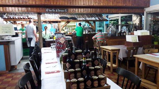 Bar & Restaurant Plage du Reposoir: l'intérieur