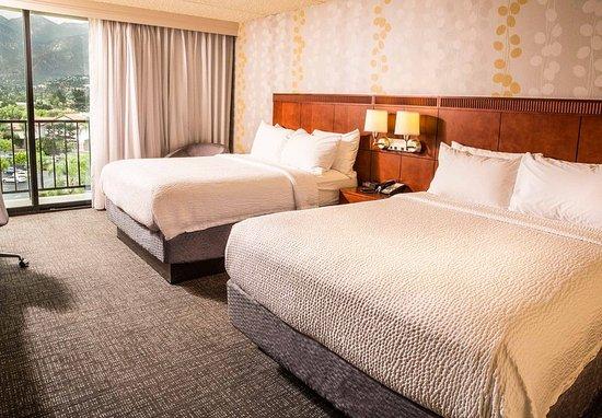 Monrovia, CA: Queen/Queen Guest Room
