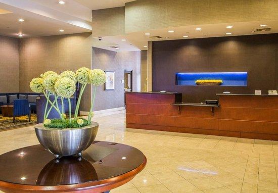 Monrovia, Californien: Front Desk & Lobby