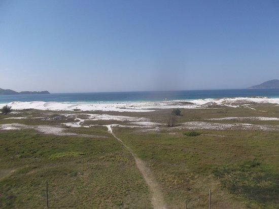 Hotel Balneario Cabo Frio: vista de frente para as dunas e praia