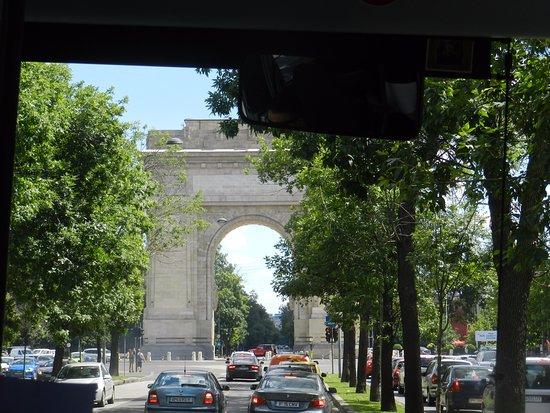 Triumph Arch: L'arco di trionfo