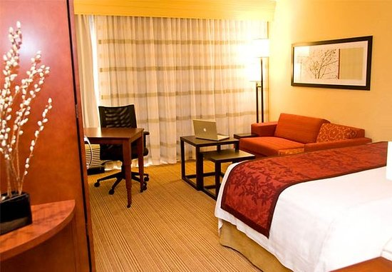 Owensboro, KY: King Guest Room