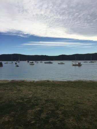 Palm Beach : Drove to PalmBeach and Barrenjoey on a sunny Saturday. One of the most scenic beaches in Austral