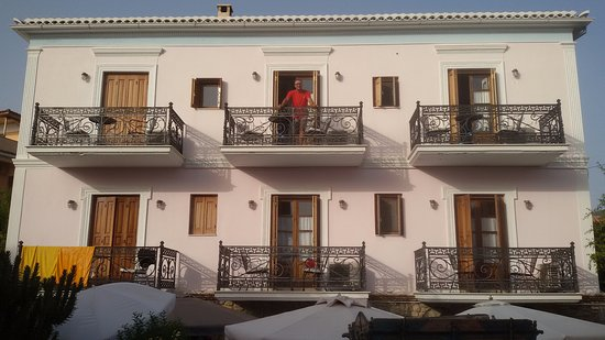 Archontiko Art Hotel : the hotel and our balcony