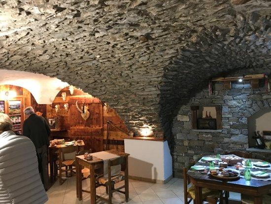 Gignod, Italia: Salle petit déjeuner