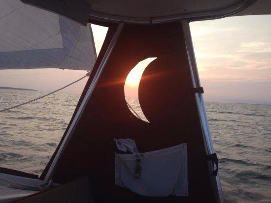 Manteo, Kuzey Carolina: Moon and sun