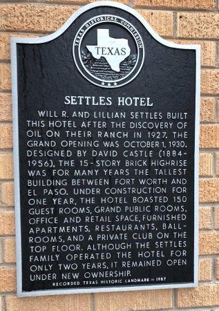 Big Spring, TX: Historical Marker (West Entrance)
