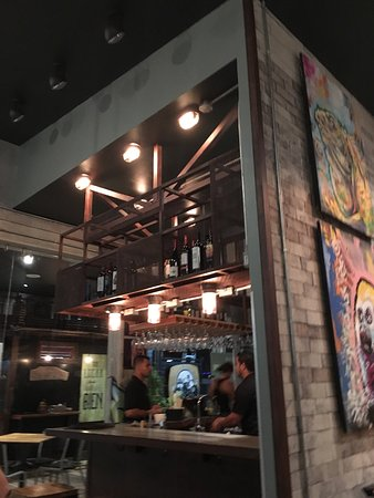 Graffiti Restro Cafe and Wine Bar: photo7.jpg