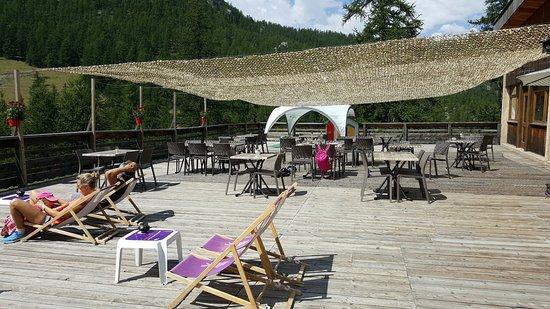 La terrasse du restaurant le bercail obr zok le bercail - La salle les alpes office du tourisme ...