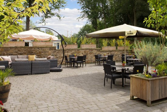 Guisborough, UK: Pleasant area for dining al fresco