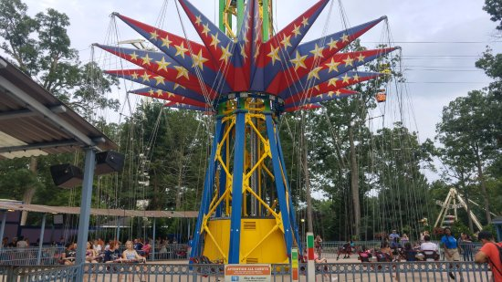 Six Flags Great Adventure: flying tower