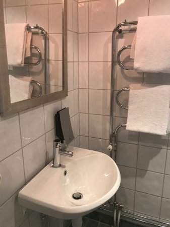 Clarion Collection Hotel Temperance : Lavabo