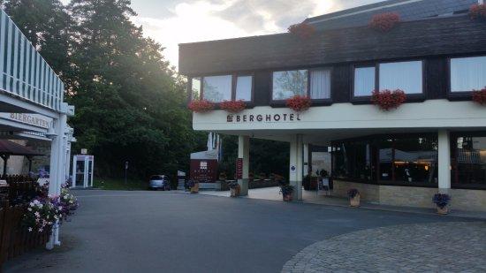 Bastei, ألمانيا: Hotelansicht wenn man aus Richtung der Basteibrücke kommt