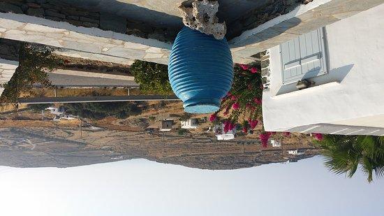 Sifnos, اليونان: 20170809_085427_large.jpg