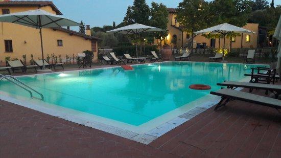 Borgo dei Lunardi: 20170805_205927_large.jpg