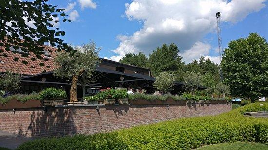 Herentals, België: zicht vanuit het grasterras