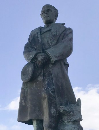 Scott Statue