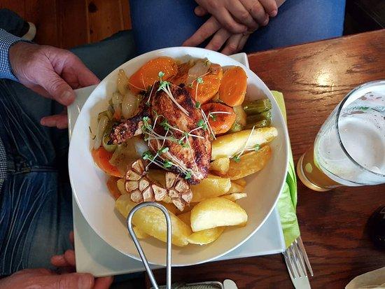 Coopers Bar & Restaurant: garlic chicken