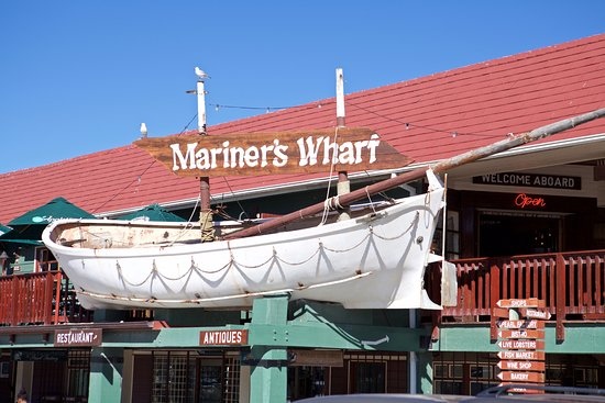 Mariner's Wharf : Terrace where we stay for lunch