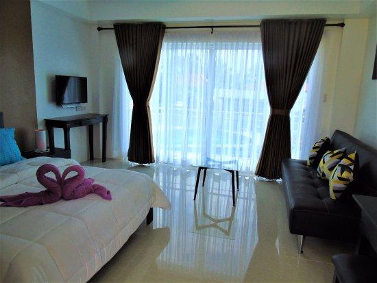 Pandan, Filipinas: Pool de Luxe (new rooms)