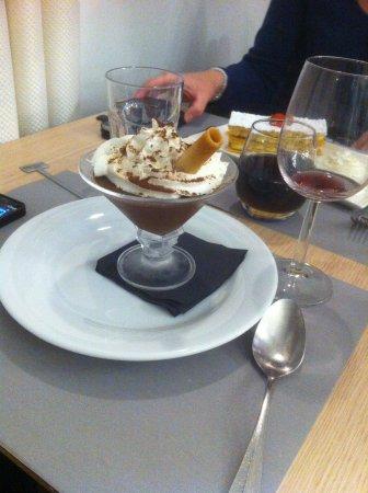 Crecy-la-Chapelle, Frankrijk: Mousse au chocolat