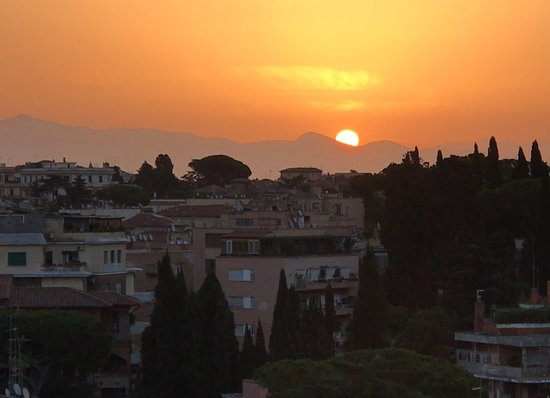 Hotel Lord Byron: Sunrise