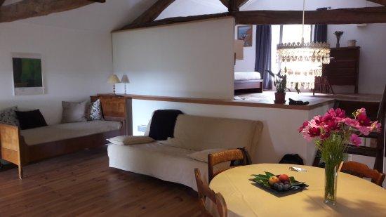 Marnac, França: Une semaine au top ! Hôtes très agréables. Gîte rénové avec goût. Et surtout, une qualité sur le