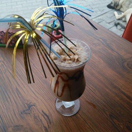 Mustafapasa, Tyrkiet: milkshace