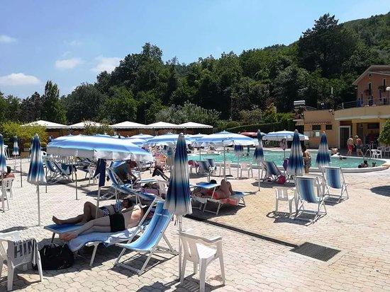 Piscina acqua fredda foto di piscine termali luval - Piscina piedimonte matese ...