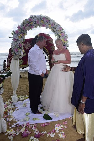 Wedding procession picture of hotel mermaid club kalutara hotel mermaid club wedding procession junglespirit Images